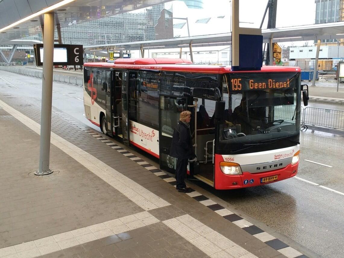 Syntus Utrecht l Utrecht Centraal -Bus 195 l MondoMarketing